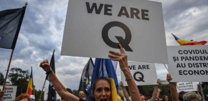 QAnon en América Latina: cómo y por qué grupos asociados a esta polémica teoría conspirativa se han multiplicado en la región
