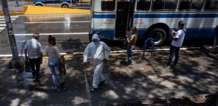 Julio Castro: Onda pandémica en Venezuela es 16% mayor en velocidad de crecimiento
