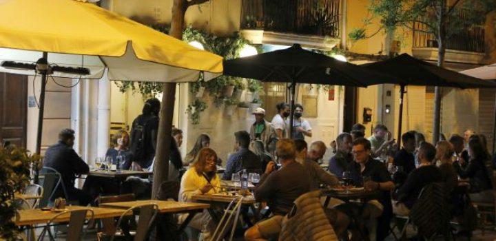 La Justicia da luz verde a prohibir las reuniones de madrugada en Baleares por el aumento de los casos