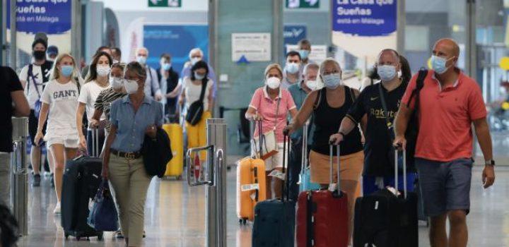 ¿A dónde se podrá viajar este verano?: así están las restricciones para viajar al extranjero desde España
